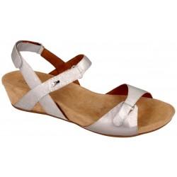 BENVADO sandalo pelle capra laminata CARMELA PLATINO plantare zeppa 3cm strappo regolabile